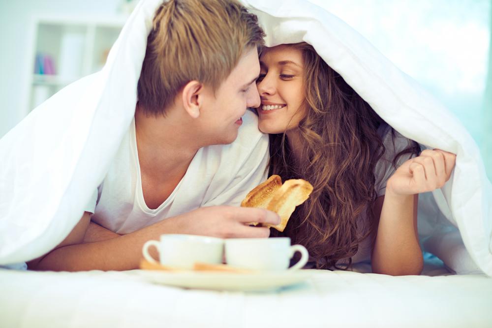 Rytinis seksas – 10 priežasčių mylėtis rytais